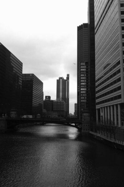 city-scape-Chicago-River-View
