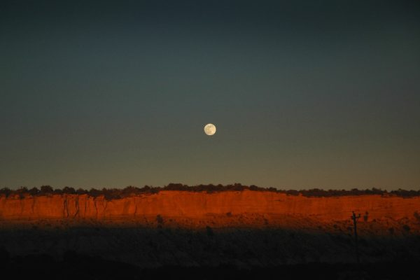 new-mexico-Moonrise-Nageezi-NM