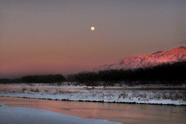 new-mexico-Moonrise-Sandia